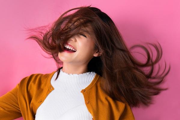 4 Cara Mengatasi Rambut Kering Dan Bercabang Secara Alami  9333e9b320