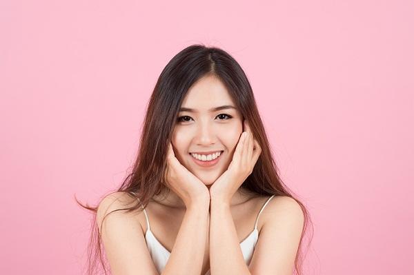 Merawat Kecantikan Kulit Wajah Dengan Facial Treatment