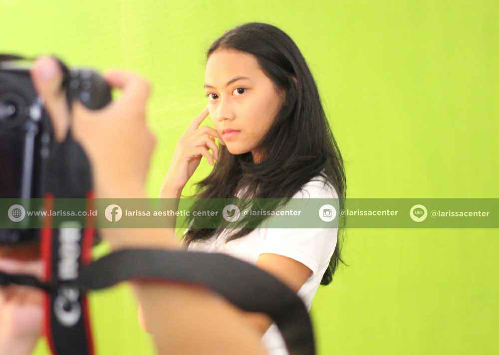 penjurian Audisi Pemilihan Brand Ambassador Larissa 2016 adalah Photo Session. Di sesi ini peserta d